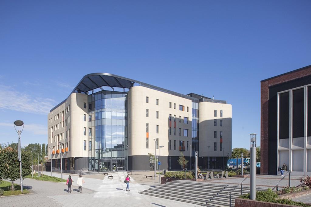 Allam Medical Building Hull 080