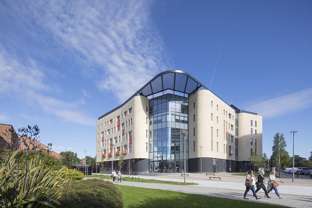 Allam Medical Building Hull 083