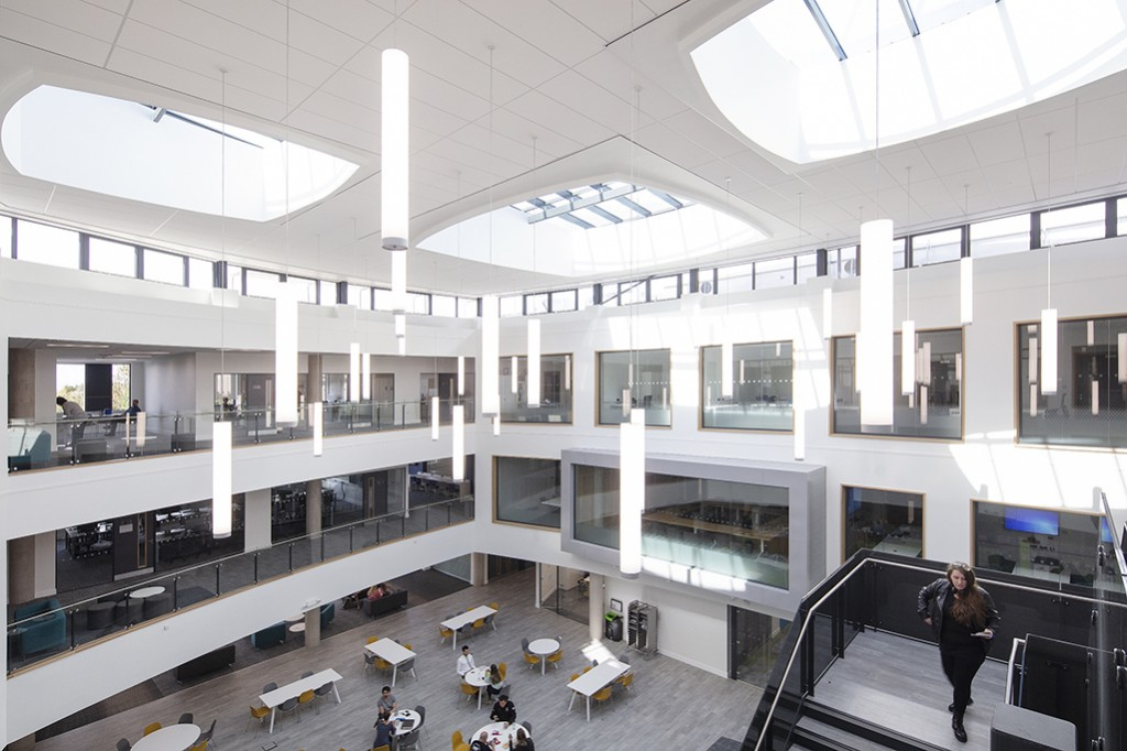 School of Business & Technology Gloucester 058