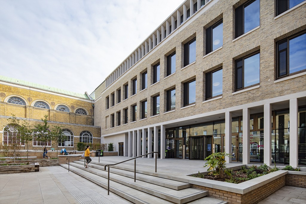 UCL Student Centre 003